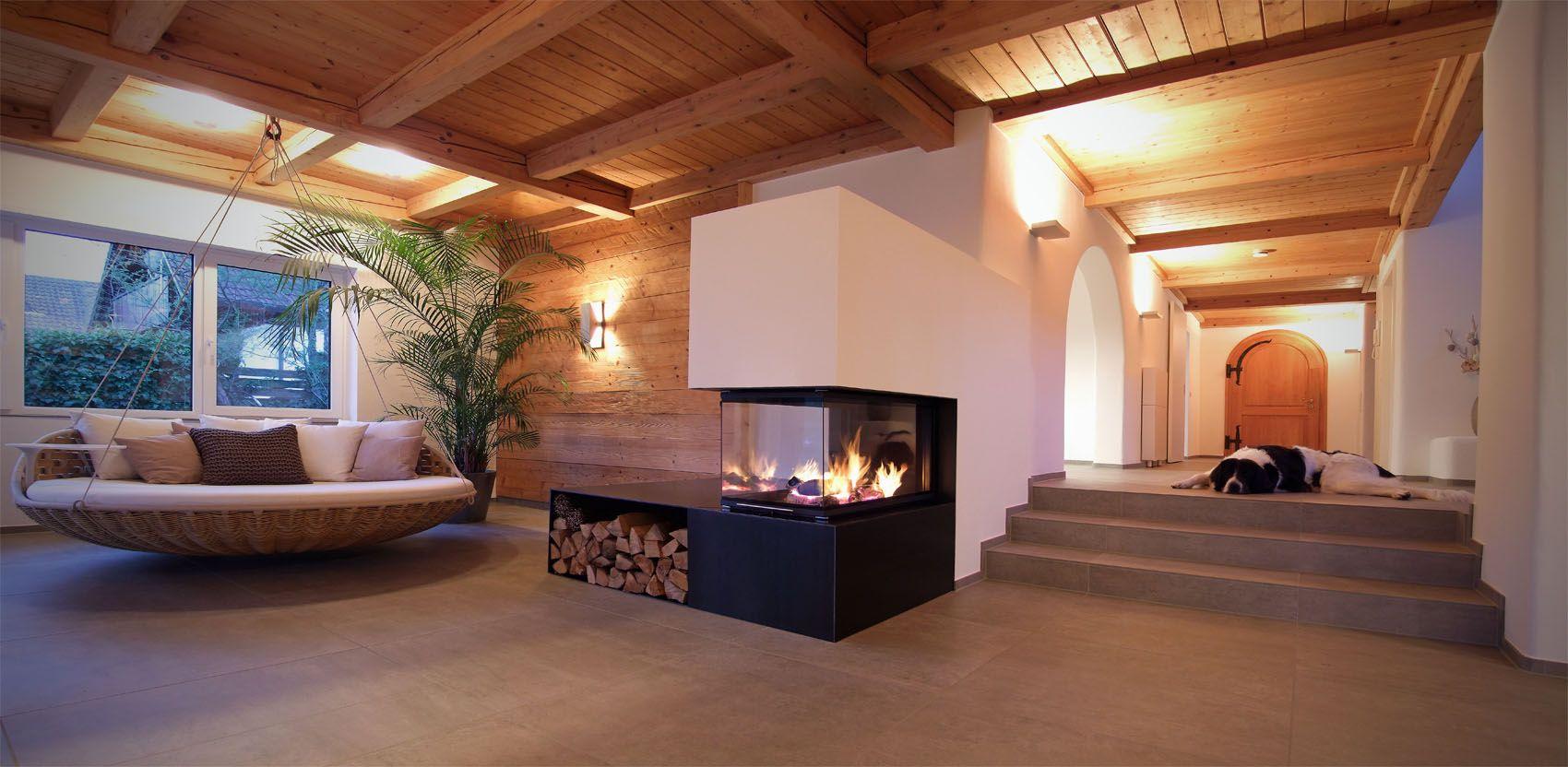 dreiseitkamin mit holzlege bzw ofenbank aus rohstahl moderne kamine aus rohstahl und beton. Black Bedroom Furniture Sets. Home Design Ideas