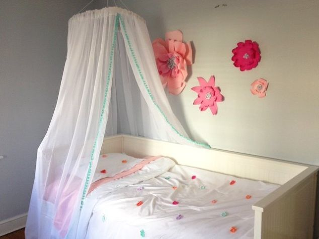 See How To Feed A Hula Hoop Through Curtains To Make Your Bedroom Decor Look Like You Spent Hundreds And It Only Costs 30 Hula Hoop Canopy Diy Bed Hula Hoop