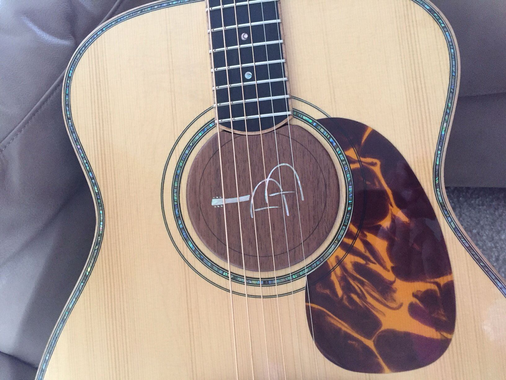 Custom Acoustic Guitar Sound Hole Insert With Brand Logo Walnut Wood With Natural Shell Inlay Sized For Custom Made Guitars Www Lacuna Acousticart Com