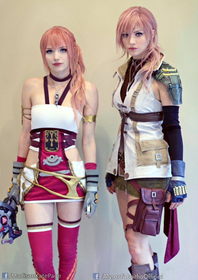 Lightning And Serah Final Fantasy 13 Cosplays By