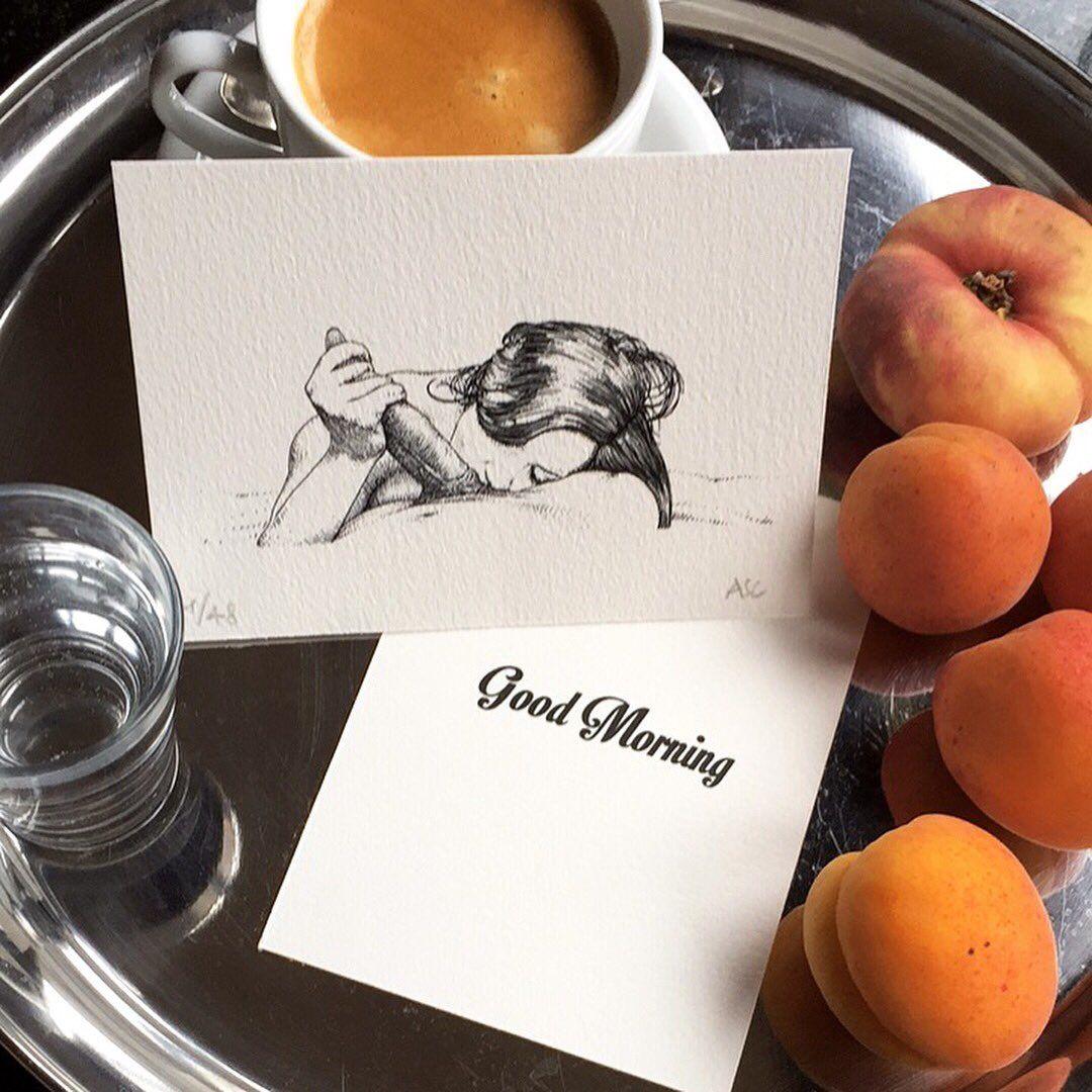 Персики открытка