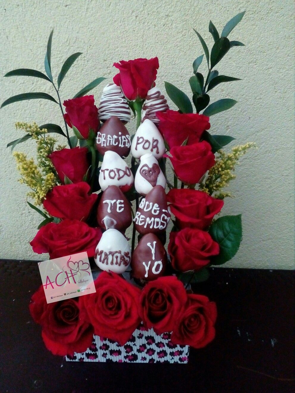 Bouquet De Rosas Y Fresas Frutillas Con Chocolate En