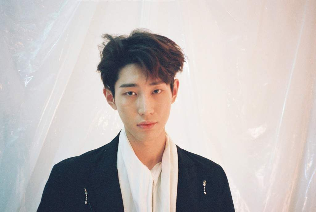 Spotlight Lou Korean Idol Vav Singer
