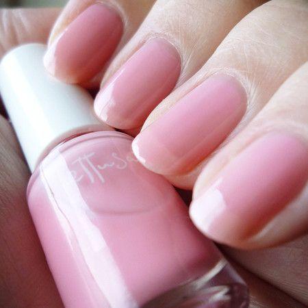 自爪の色が透けるくらいの色を【シアー系】と呼び