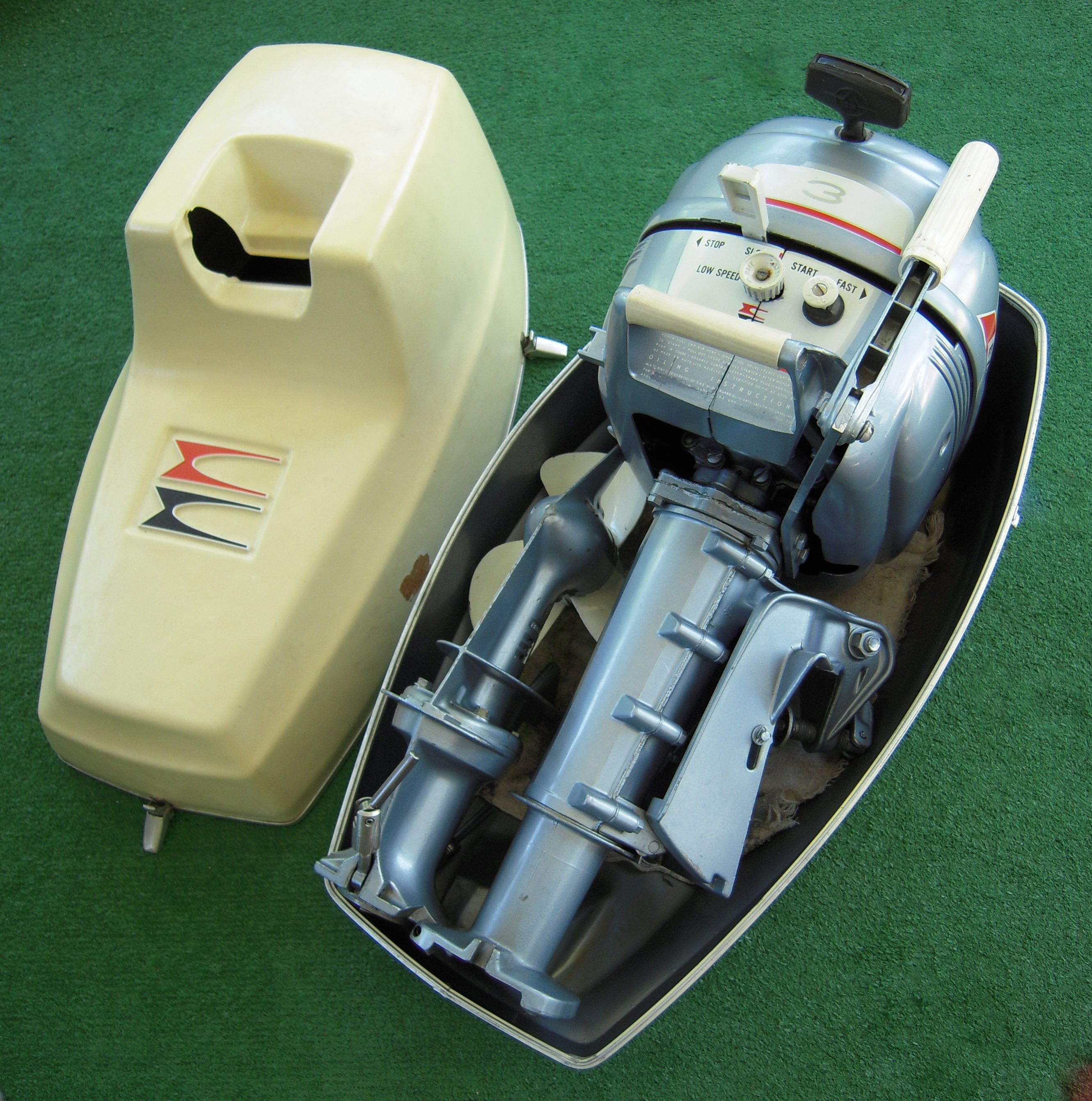 1967 3hp evinrude folding outboard motor i haven 39 t tried for 4 horse boat motor