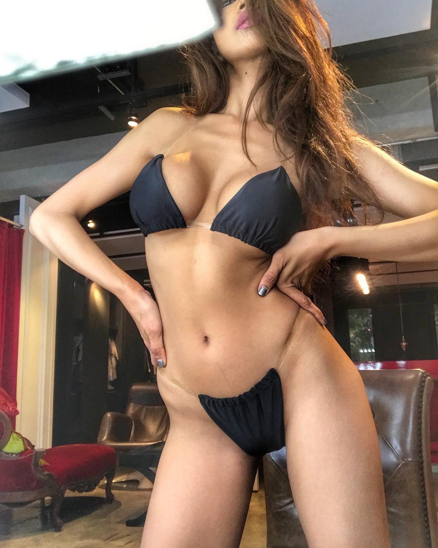 Playboy daphne joy tight :