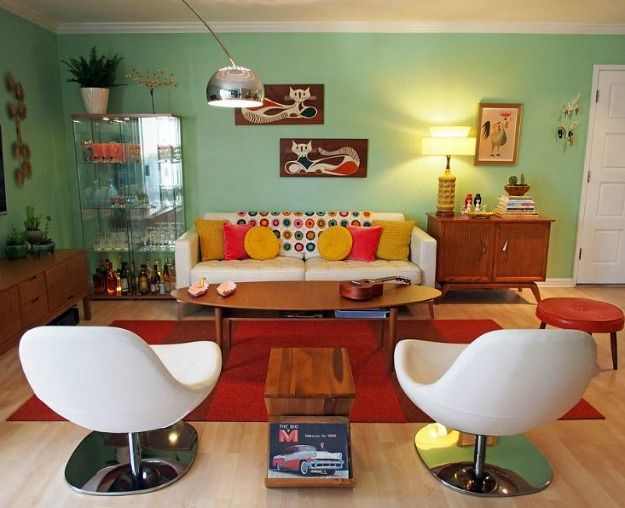 A standard white apartment gets a cool colorful makeover for Mobilia anos 70