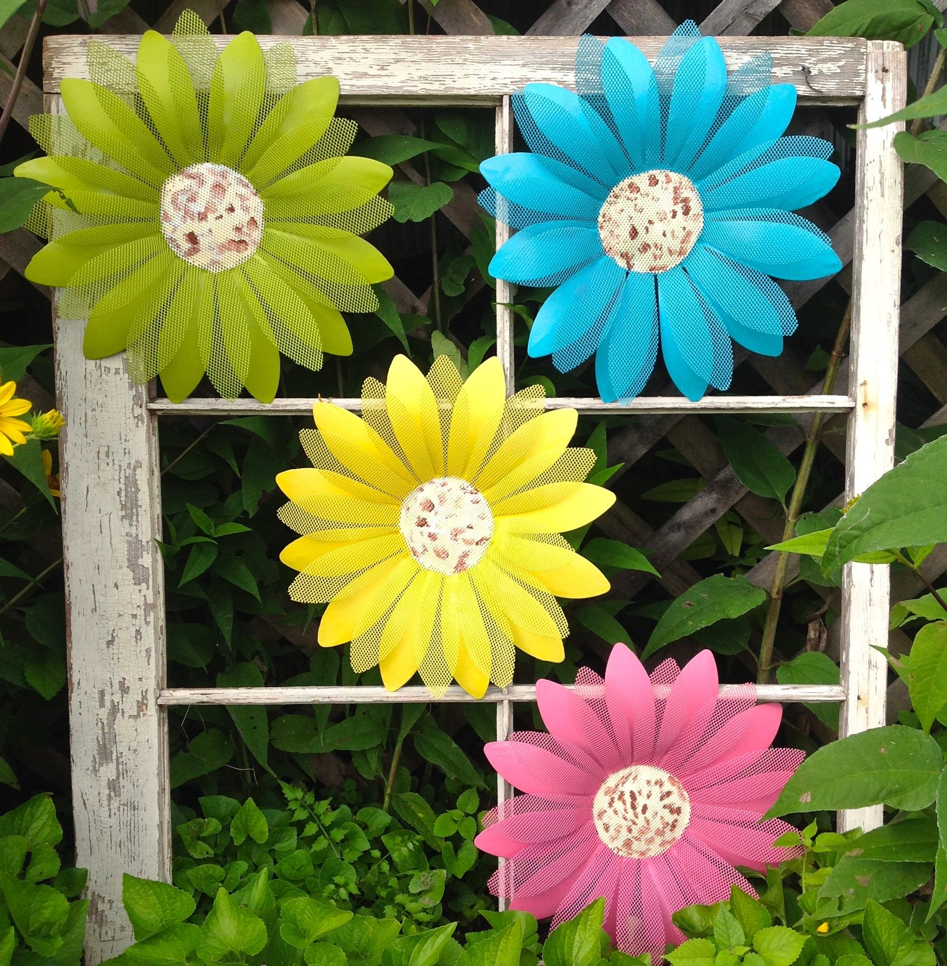 4 Metal Daisy Wall Flowers - Fence & Wall Metal Ar - Pink Turquoise ...