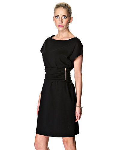 handla klänningar online