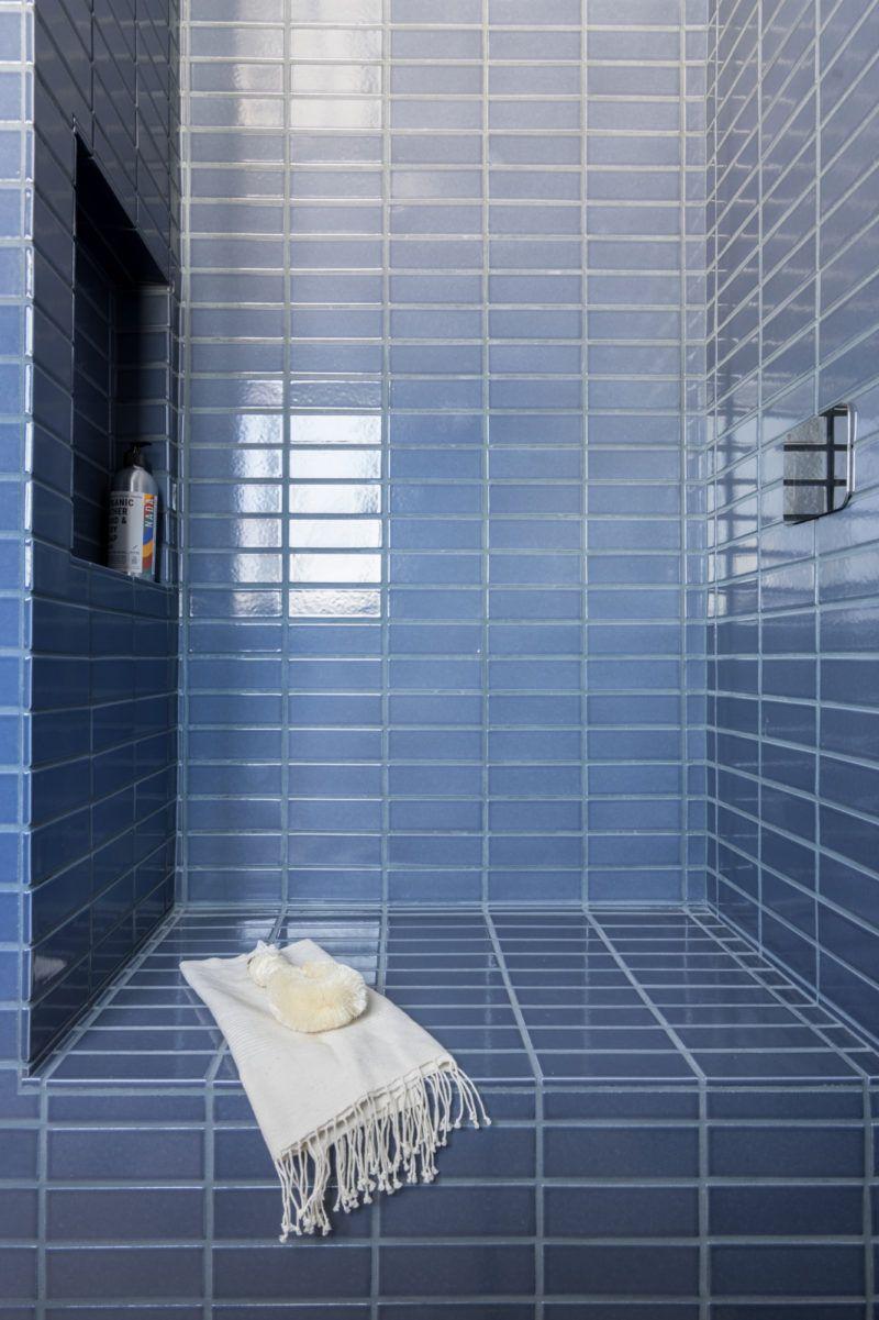 11 a. Naber Design Blue Bathroom Tiles   Fireclay   Blue bathroom ...