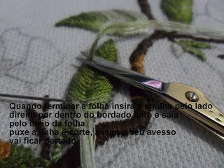 A Flauta Mágica- Artesanato: Passo a passo Ponto Folha - bordado livre.