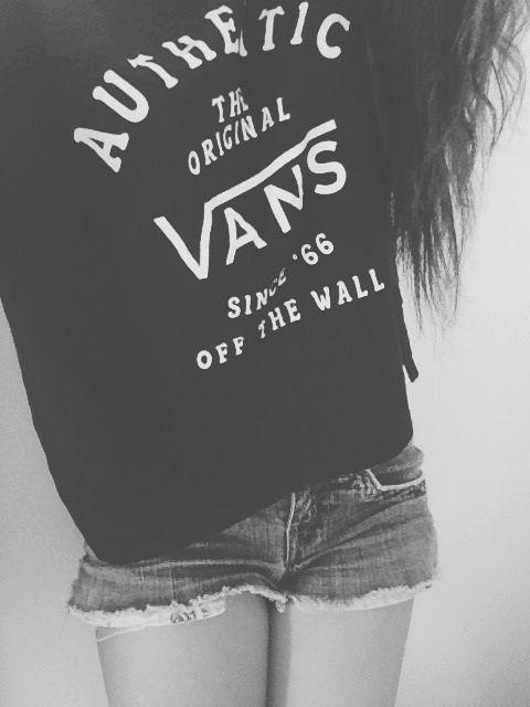 vans off the wall shorts