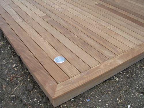 Faire les finitions de ma terrasse bois avec éclairage Jardin - construction d une terrasse bois
