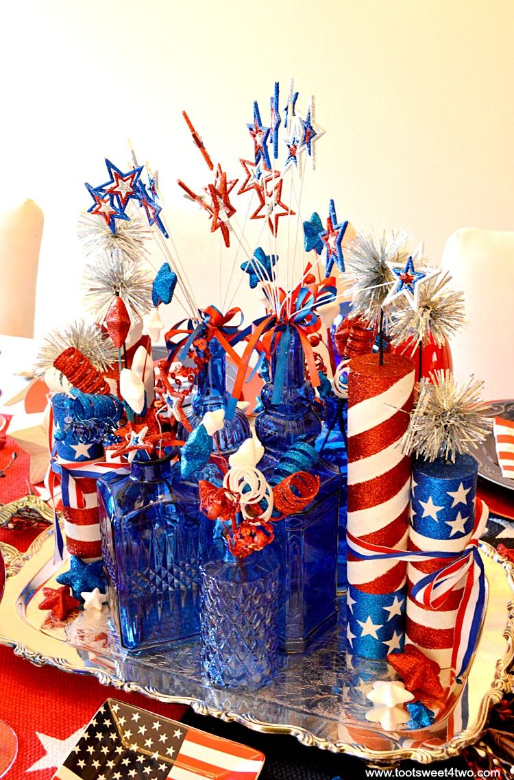 decorating the table for 4th of july