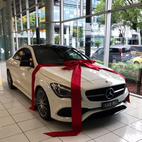 Mercedes Car With Bow