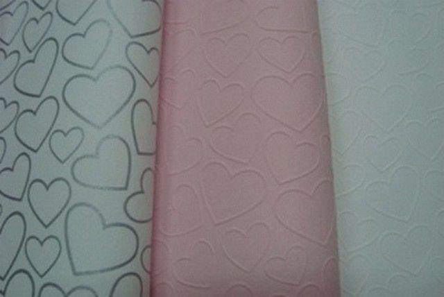 Babykamer Behang Ideeen : Meisjes roze wit of zilver hartjes behang xx interieur