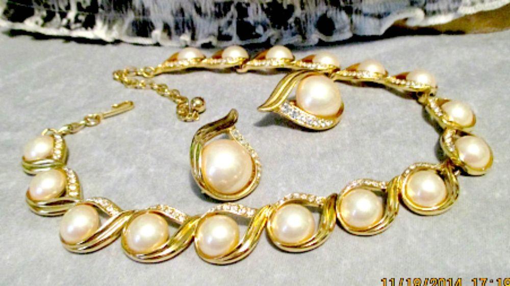 Vtg GoldPlated Necklace & EarringSet, TRIFARI, 14in Teardrops Pearls Rhinestones #Trifari #Chokernecklace