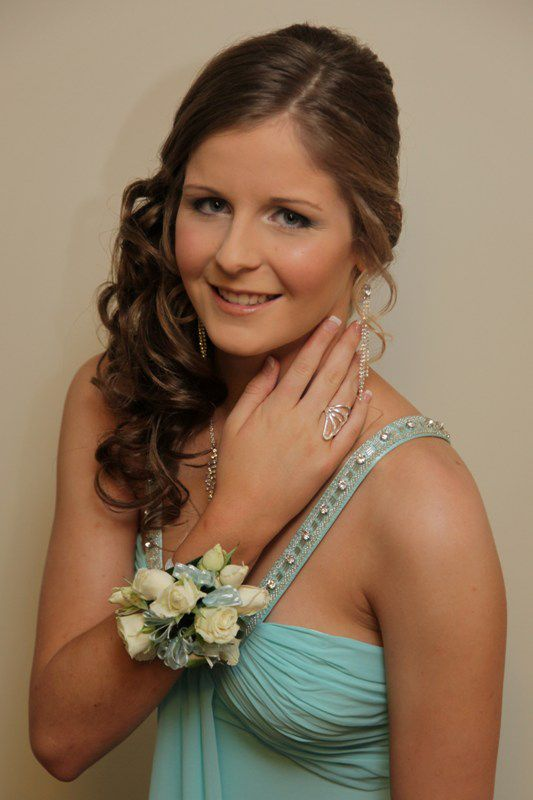 High School Formal Prom Hair Style And Makeup Prom Hair Prom