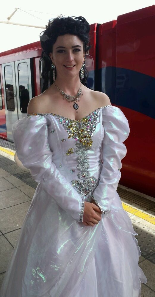 http://www.ebay.co.uk/itm/Sarah-Labyrinth-ballgown-dress-UK-size-12 ...