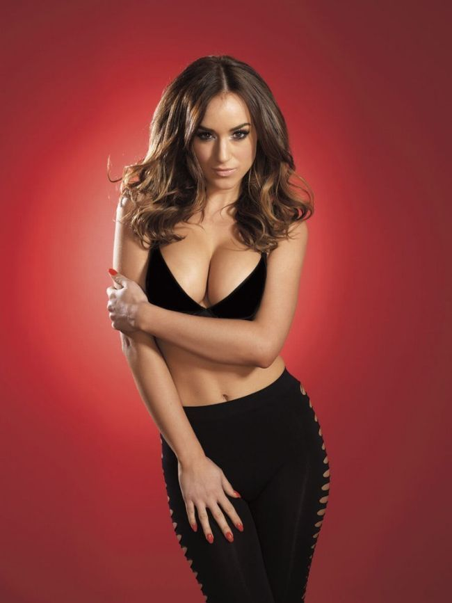 Megan fox sexiest woman alive, say fhm readers