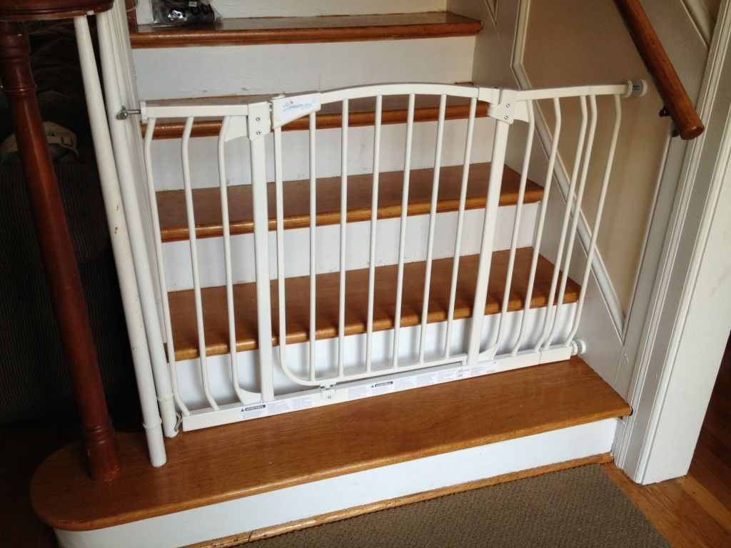 Picture Of Baby Gate For Stairs With Banister Baby Gate For