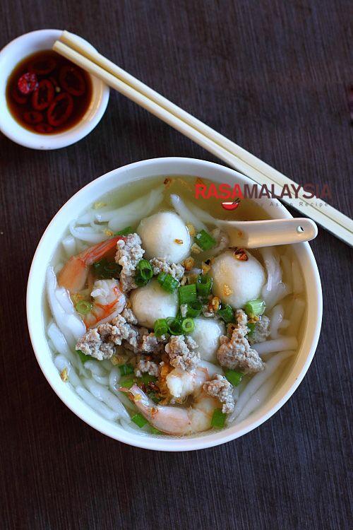 Rice Noodle Soup Bee Thai Bak Recipe Rice Noodles Chicken Broth Pork Fish Balls Shrimp Fish Sauce W Rice Noodle Soups Easy Asian Recipes Rice Noodles