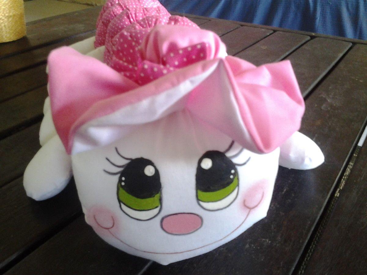Seu bebe vai adorar brincar com essa centopeia fofinha.Totalmente colada e costurada,para o bebe brincar a vontade.Rosto pintado a mao.
