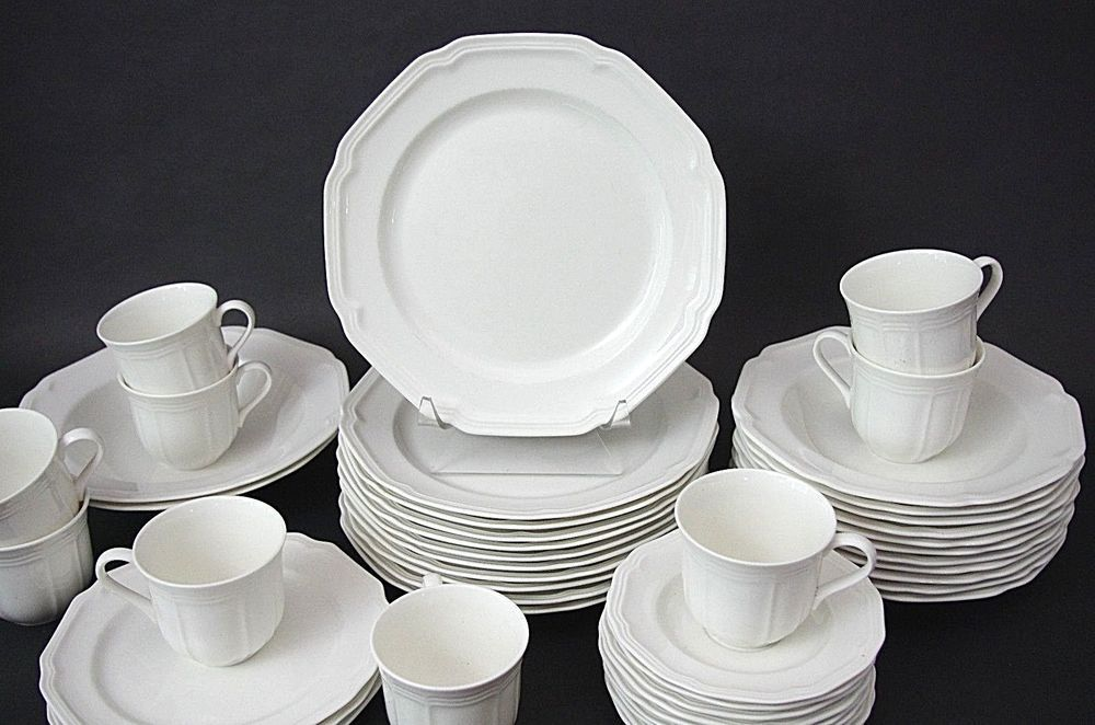 Mikasa Antique White HK400 Dinner Plates 10 1/2  Set of 5 Only & Mikasa Antique White HK400 Dinner Plates 10 1/2