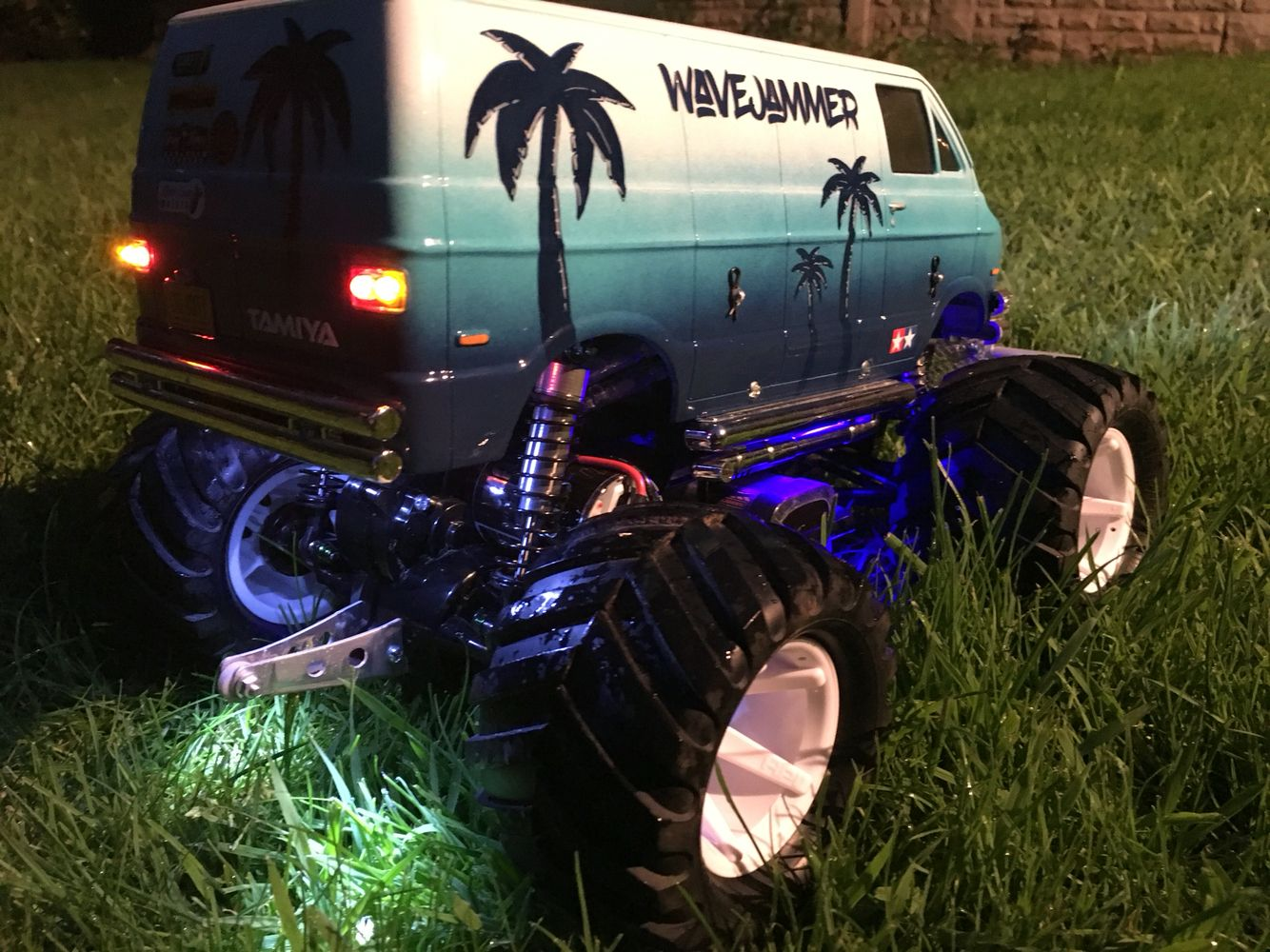 Tamiya Lunchbox 1 12 Rc Monster Truck Converted To The Wavejammer Monster Trucks Rc Monster Truck Rc Cars Diy