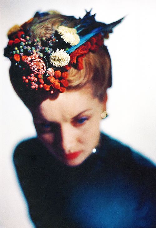 'Autumnal Berry' hat by Lilly Daché for American Vogue, 1946. Photo by Edward Steichen