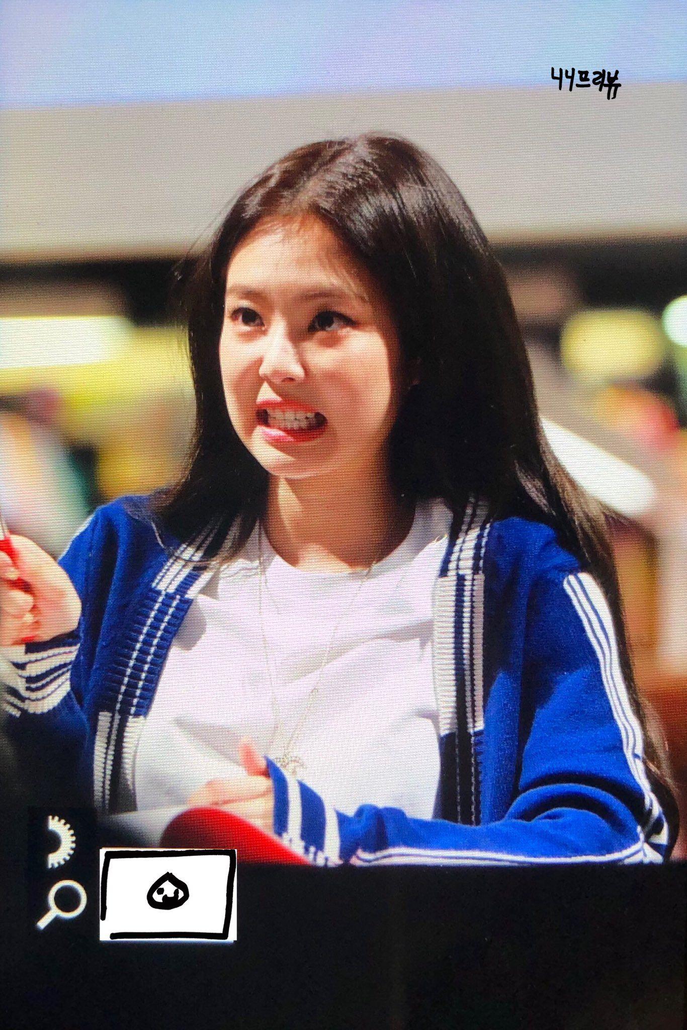 Jennie SOLO fansign creds owner Blackpink jennie