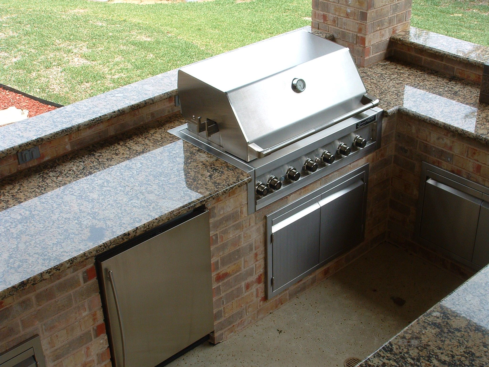 Outdoor Kitchen Features Granite Countertops Southlake Texas