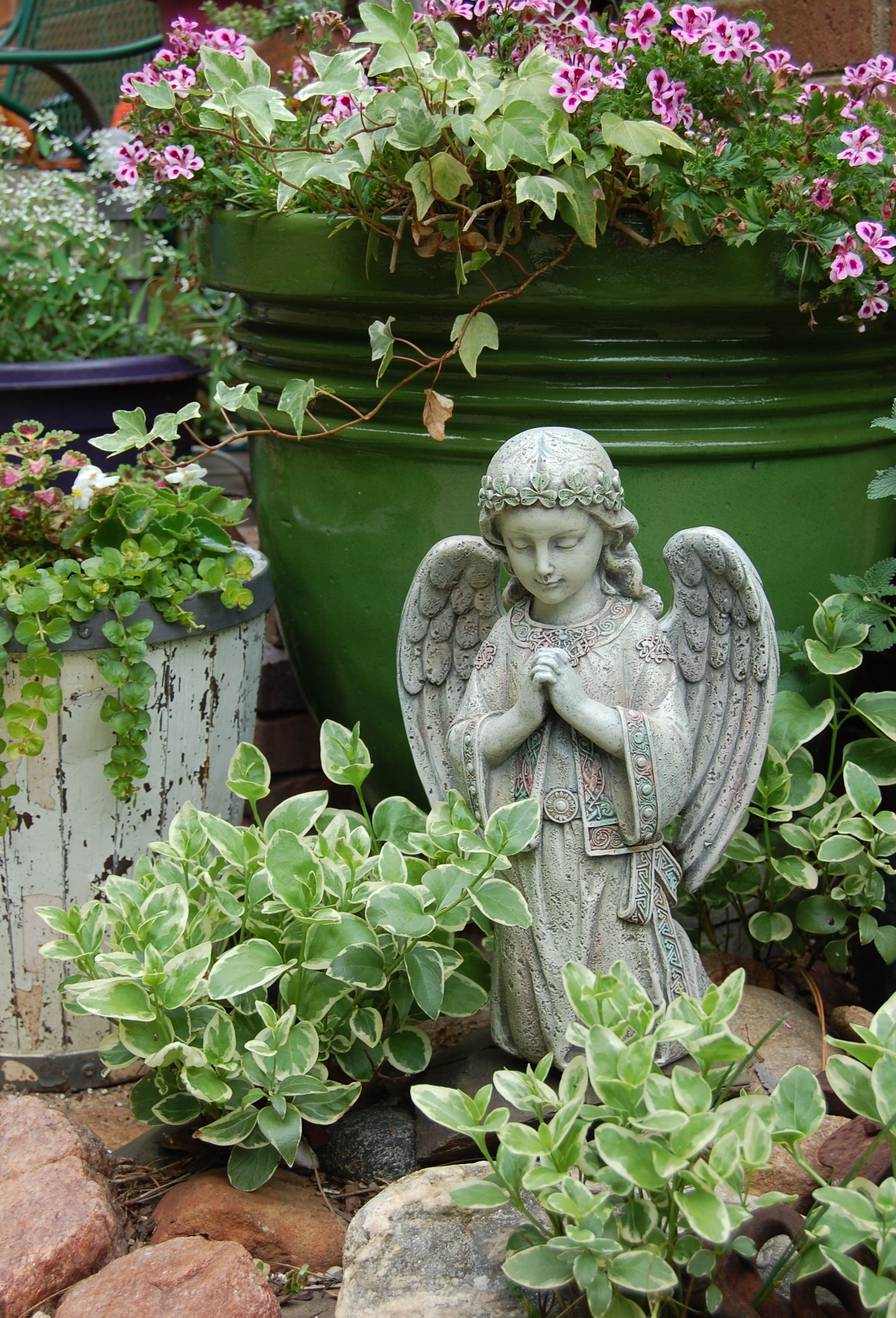 Garden Angel Praying Angel Kneeling Garden Figure 12 25 Inches