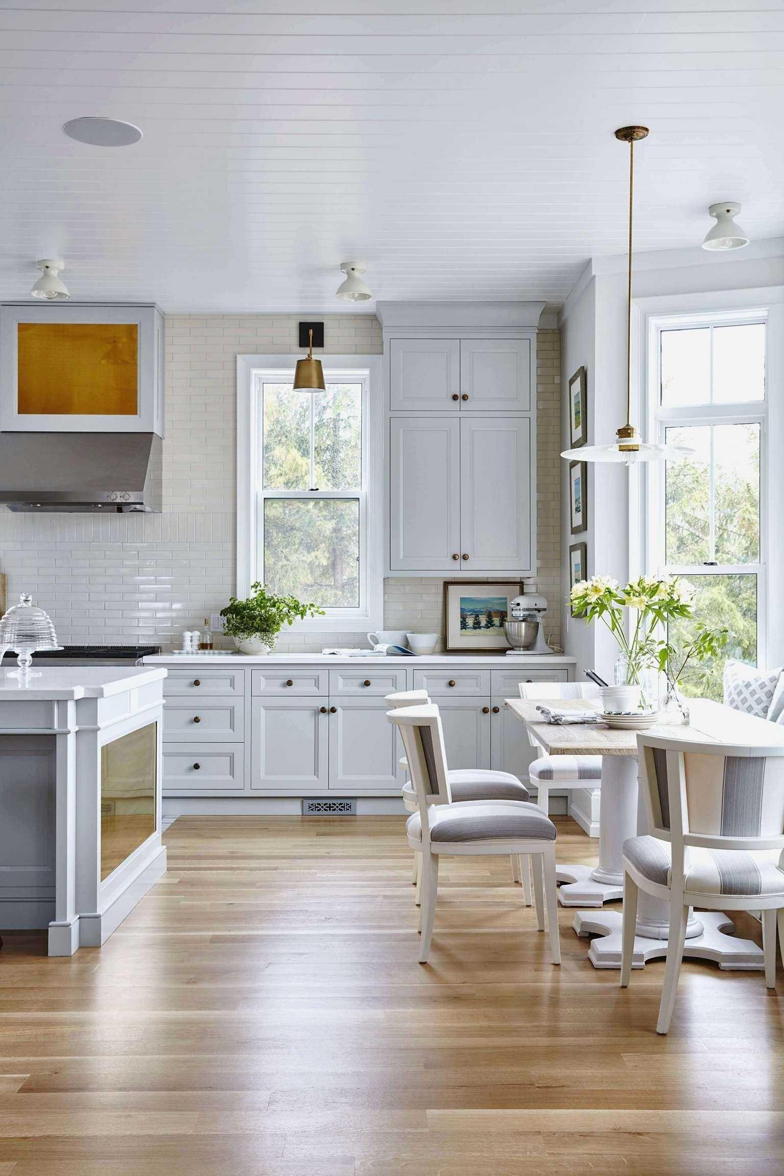 Inspirational Beachy Farmhouse Kitchen White kitchen