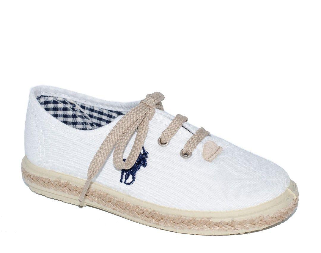 27beaa623 ¡Calzado infantil de calidad en Adrielsmoda.es! Zapato piqué blanco para  niña de