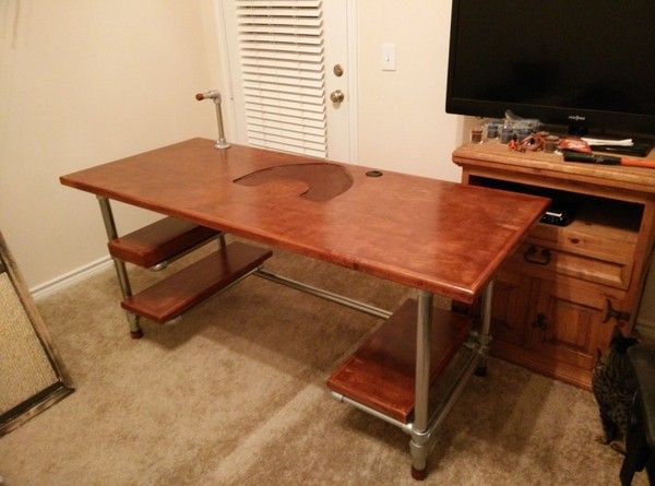 Building Your Own Diy Computer Table For A Central Office Can Offer You Additional Satisfaction And Spir Diy Computer Desk Gaming Desk Diy Gaming Computer Desk