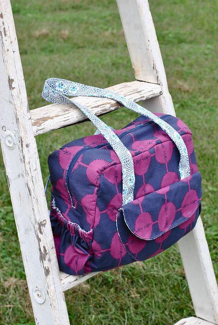 Aragon Bag Front by Lindsay Sews {@CraftBuds}, via Flickr