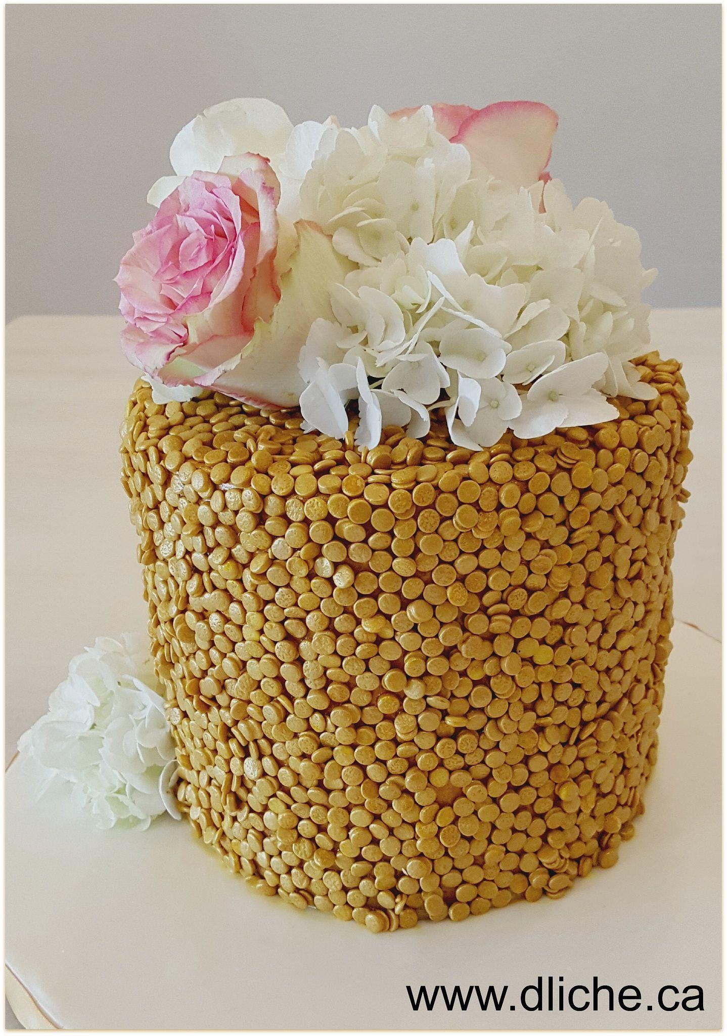 Gâteau à paillettes dorés | Simplement D Liche Cupcakes ...
