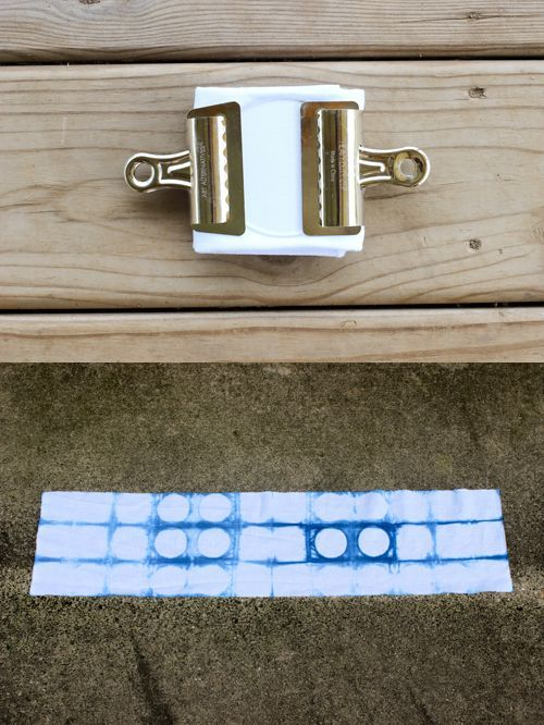 DIY Shibori Indigo Dyeing Tutorial #dyeingtutorials In Color Order: DIY Shibori Indigo Dyeing Tutorial #dyeingtutorials