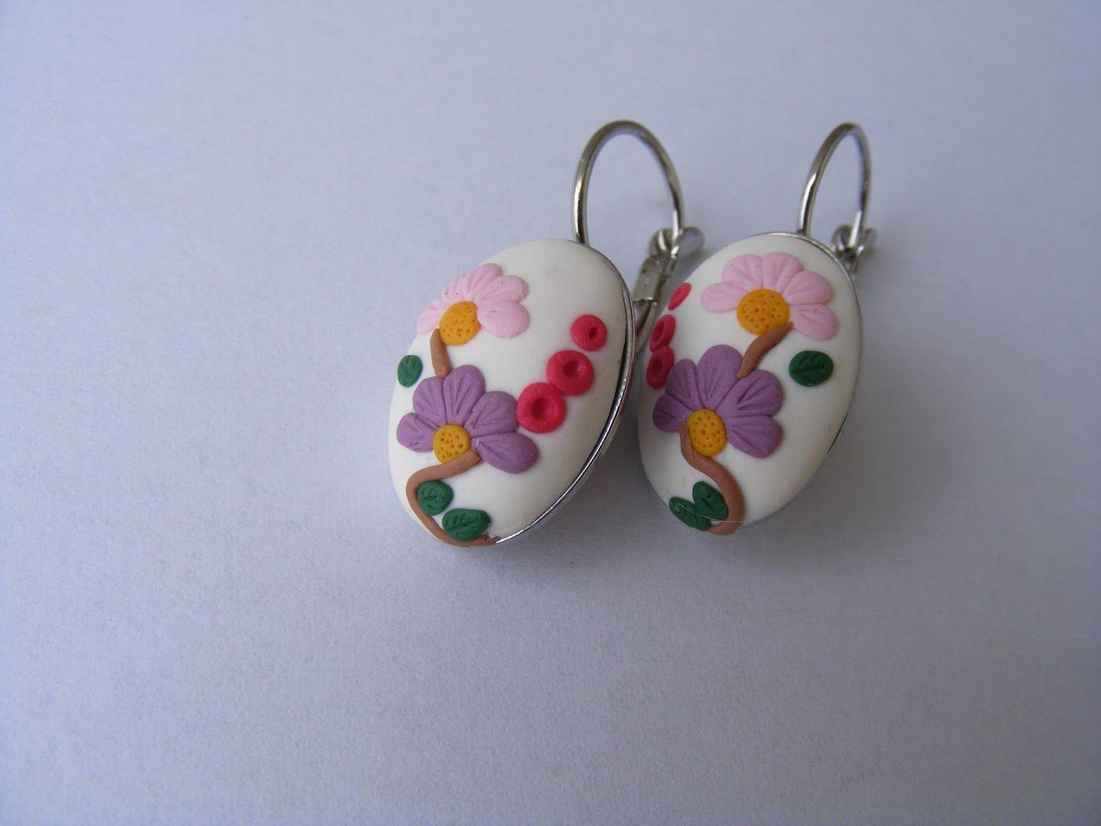 http://lorelai-beads.blogspot.com/