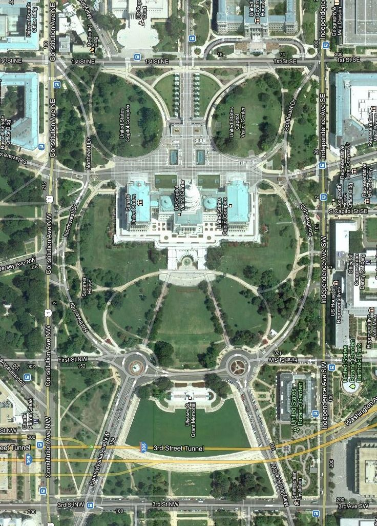 Google maps satellite view of the Capitol Building and the surrounding grounds.
