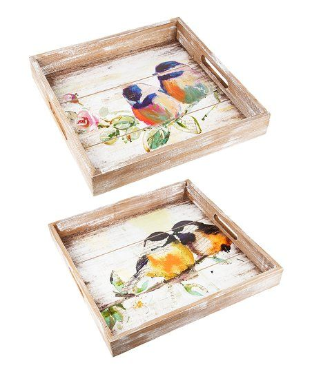Used for serving or merely for show, this handsome set of trays brings a charming rustic-inspired aspect to your décor.
