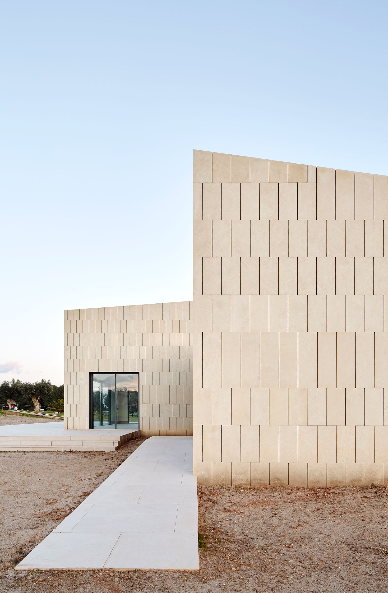 Clubhouse in Majorca by GRAS arquitectos 65337