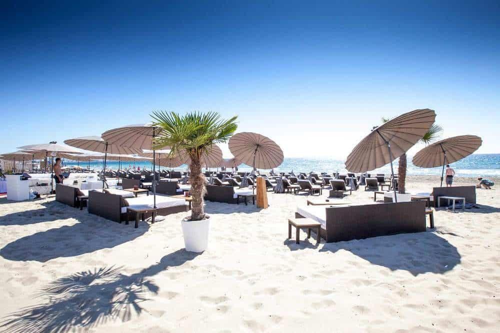 Nassau Tanit Beach Ibiza Hippe Beachclub In Playa D En Bossa Ibiza Stad Nassau Ibiza