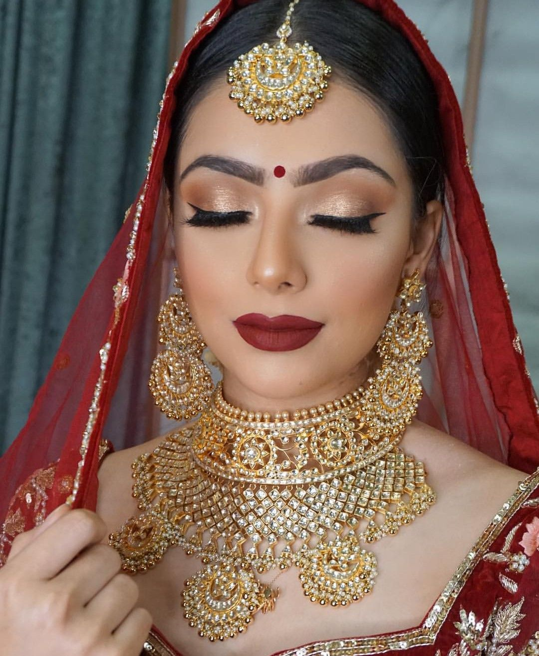 Indian Bridal Makeup And Jewellery Red Bridal Lehenga And Gold