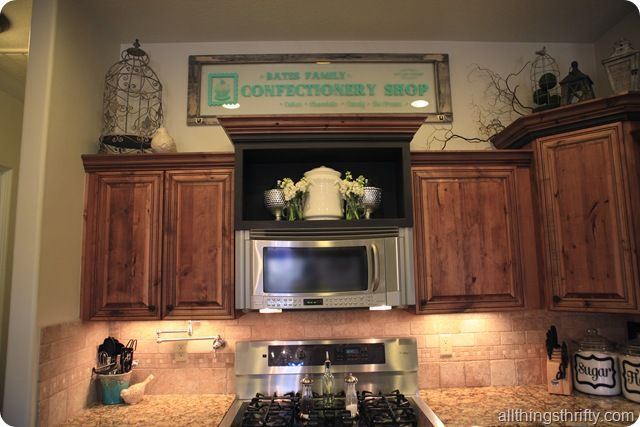 Decorations 2520above 2520cabinets 255b2 255d Jpg Image Cottage Style Kitchen Above Kitchen Cabinets Cabinet Decor