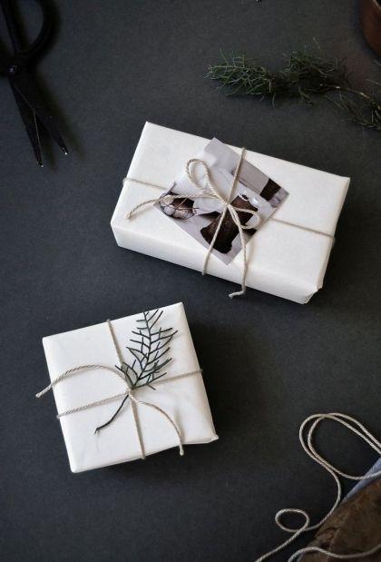 Emballage cadeau pour Noël en 30 idées originales et tutos! #emballagecadeauoriginal emballage cadeau original pour Noël de style minimaliste #emballagecadeauoriginal