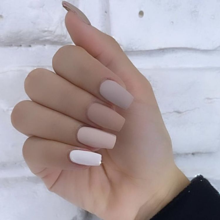 55+Pretty Short Nail Designs