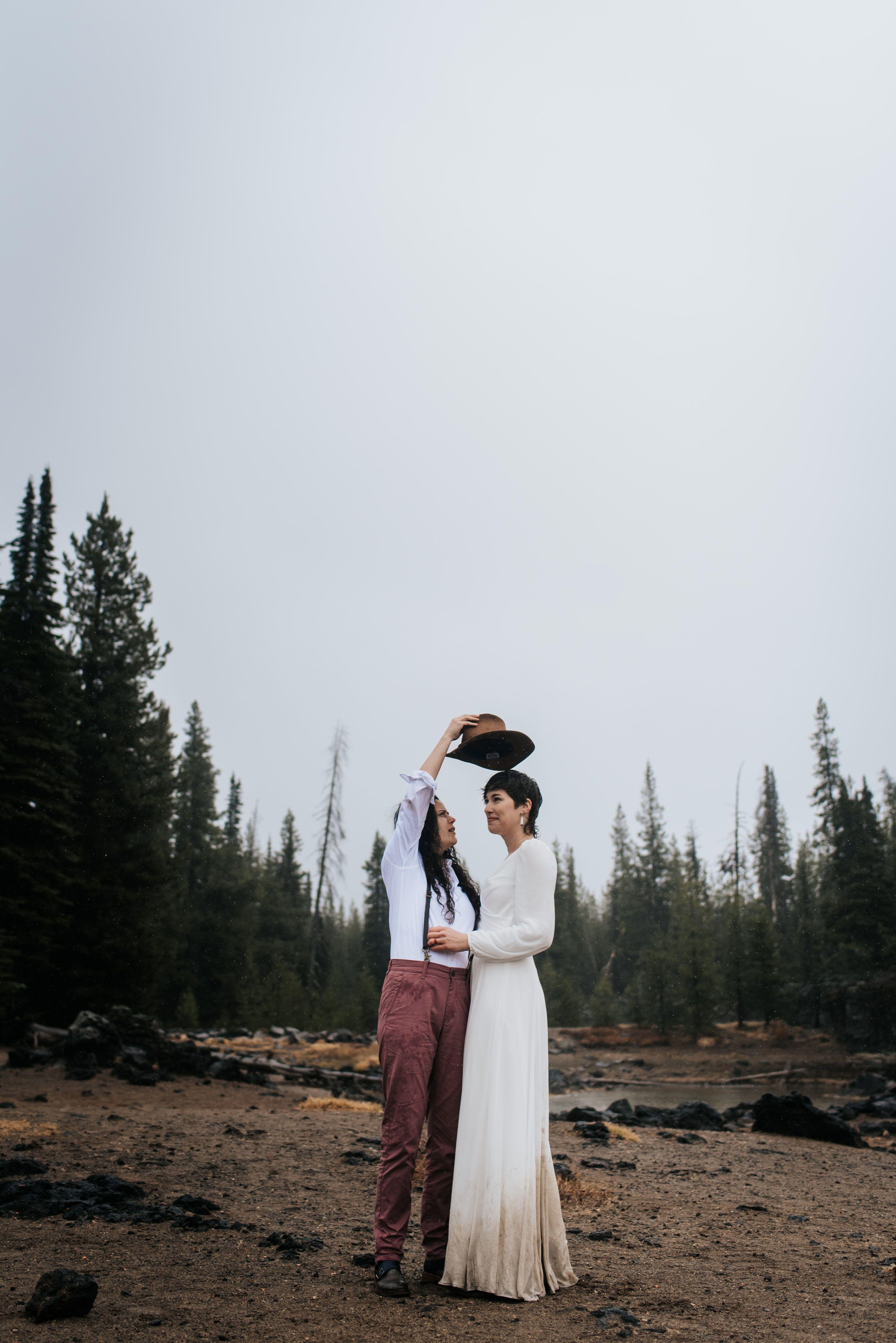 Redmond Elopement Photographer Now Booking 2019 And 2020 Weddings