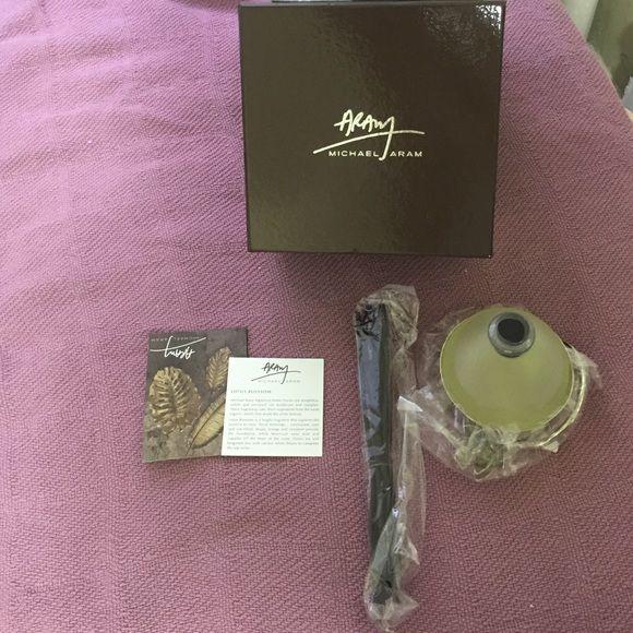NEW Michael Aram 'Lotus Blossom' diffuser Brand new. Home Scent diffuser Michael Aram Accessories